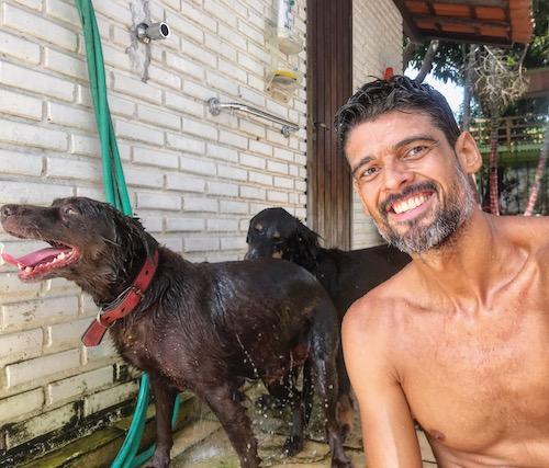 Armando Júnior (AJ)